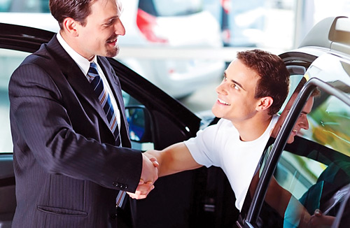 buying-a-car-in-dealership