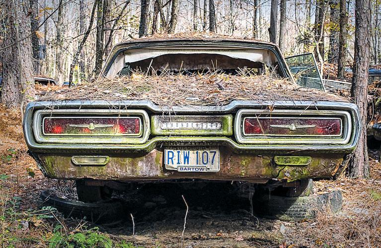 nuansy-pokypki-starogo-avtomobilya