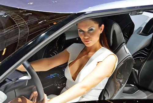 nissan-pervyj-i-semejnyj-avtomobil
